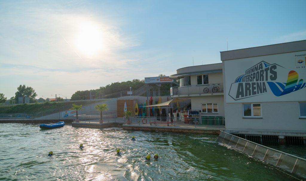 Die Watersports Arena liegt gleich auf der Donauinsel. Egal ob als Einzelperson, oder Gruppe, es ist für jeden etwas dabei. Fotocredit: Wien Energie