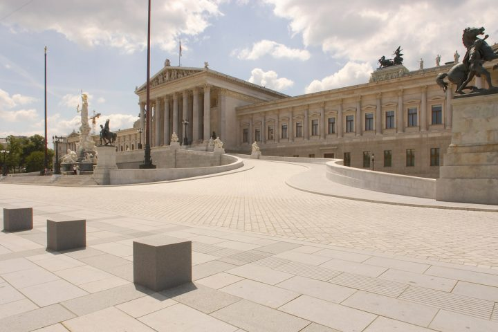 Parlamentsdirektion / Christian Hikade