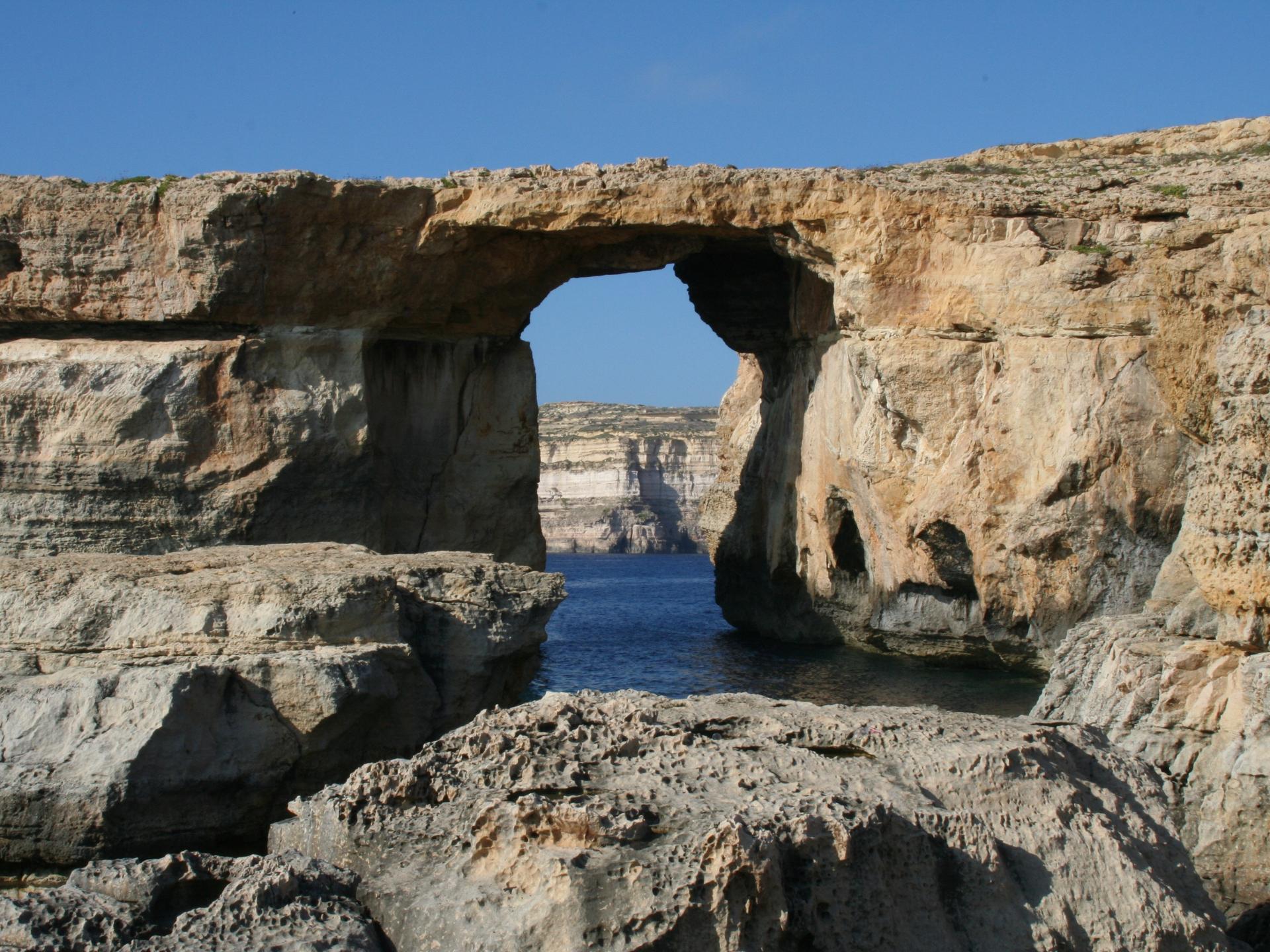 Auch in der Natur gibt es Lücken, die oft den Platz machen für eine neue Perspektive. - Photocredit: pixabay.com/chriswolf