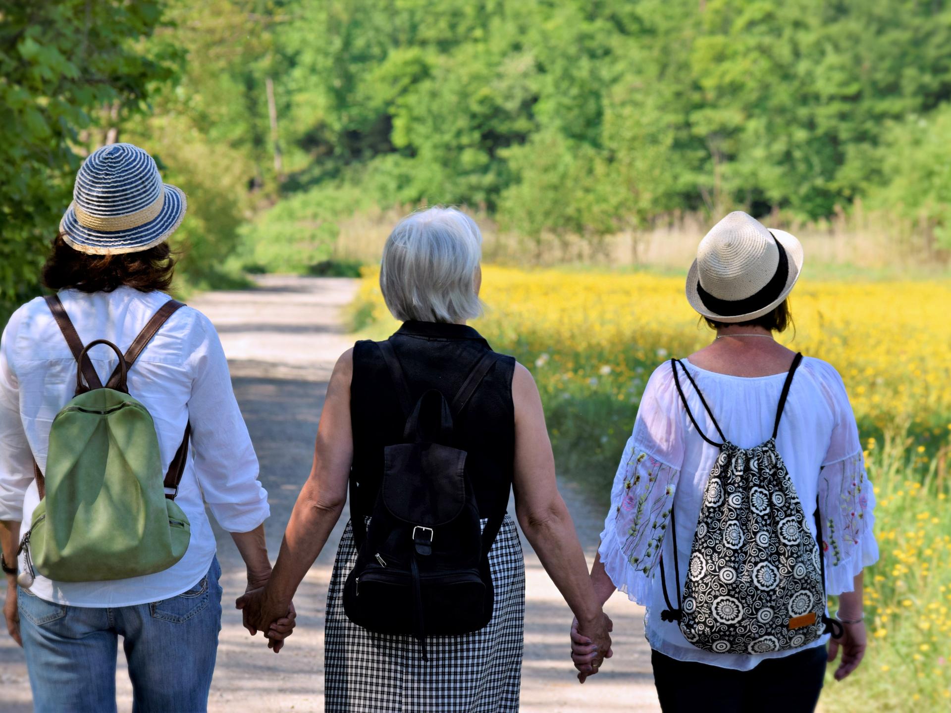 Familien strecken sich über mehrere Generationen. - Photocredit: pixabay.com/silviarita