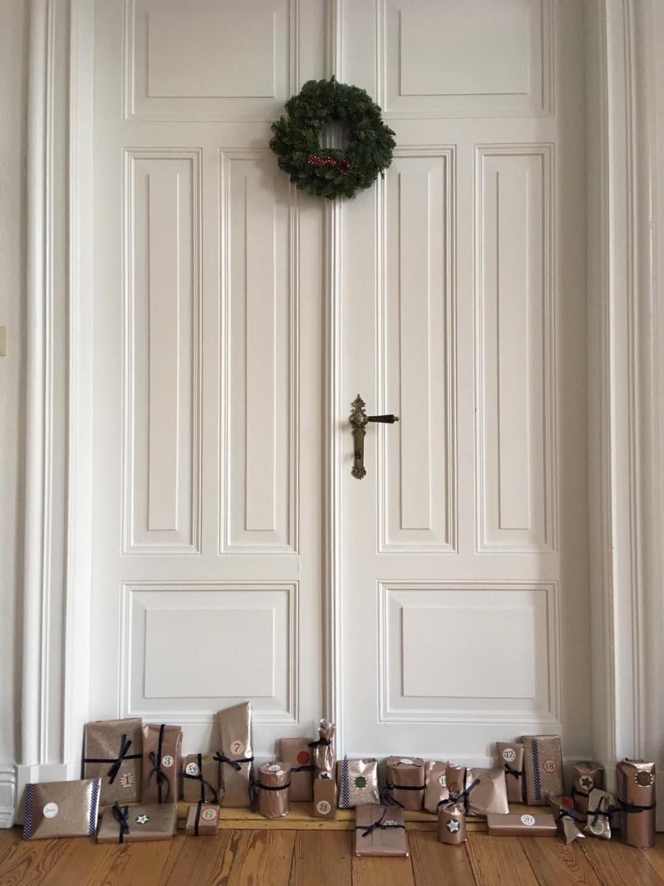 Selbst gemachte und befüllte Adventkalender sind ein ganz besonderes Geschenk in der Vorweihnachtszeit. -Fotocredits: Anaïs Hars