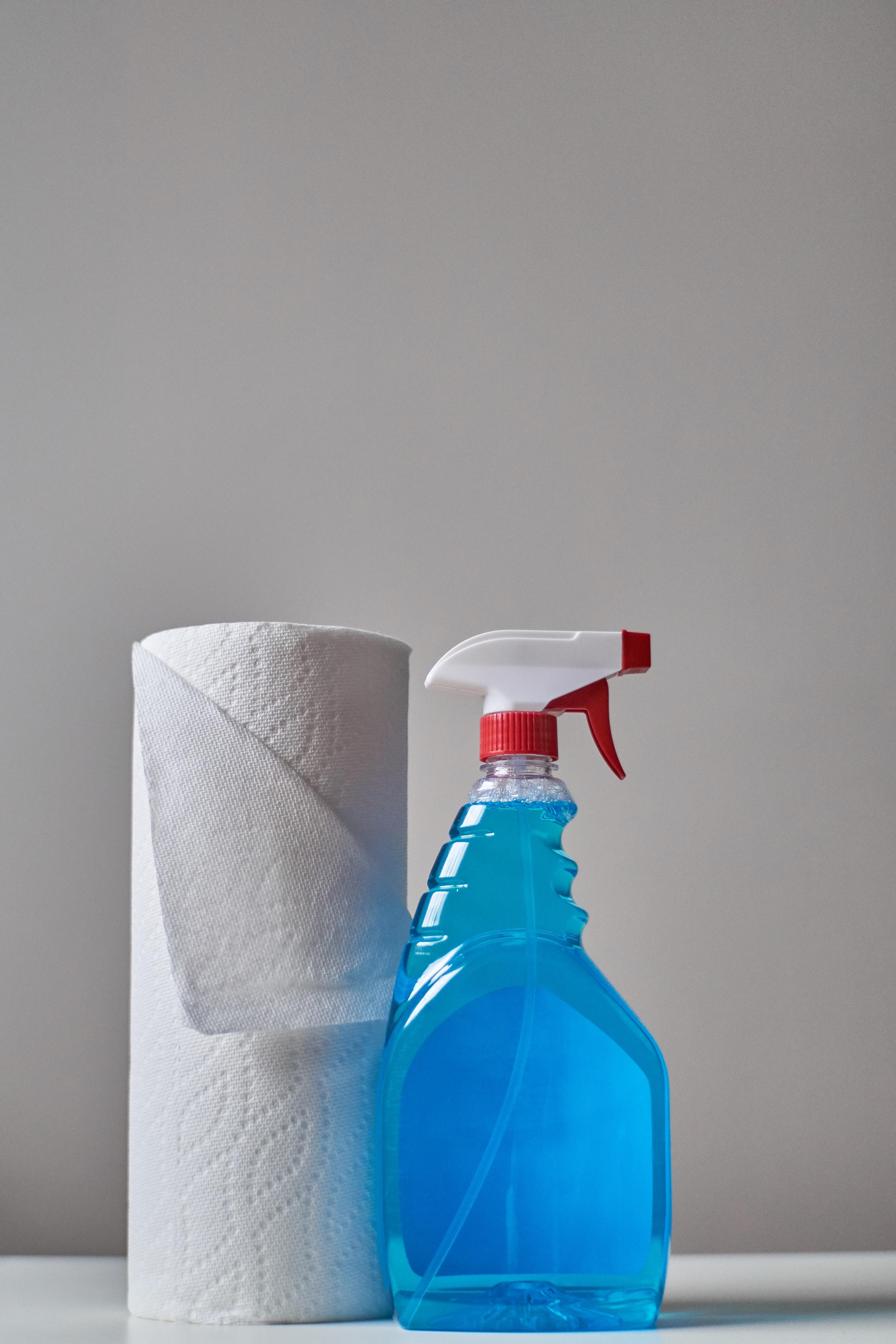 Herkömmliche Reinigungsmittel können giftig und umweltschädlich sein. -Fotocredits: Crystal de Passillé-Chabot/Unsplash