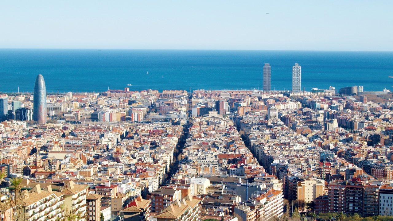 """7. Barcelona. Hier wird der Verkehr außen um """"Superblöcke"""" herumgeleitet. - Fotocredit: Pixabay/tiburi"""