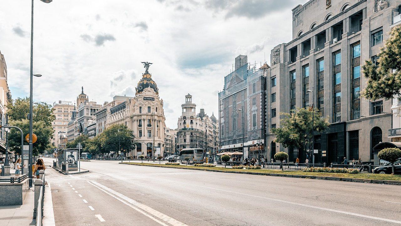 9. Madrid. Nur Anrainer dürfen die Innenstadt mit Autos befahren. - Fotocredit: Pixabay/c1n3ma