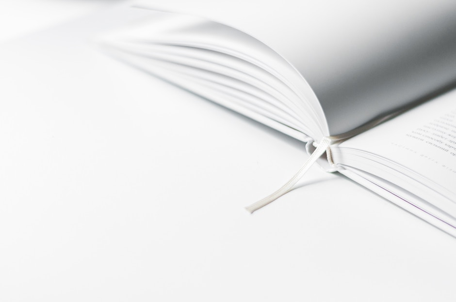 Hier findet ihr eine kurze Anleitung und ein paar Tipps und Tricks für einen minimalistischen Lebensstil. -Fotocredits: Olia Gozha