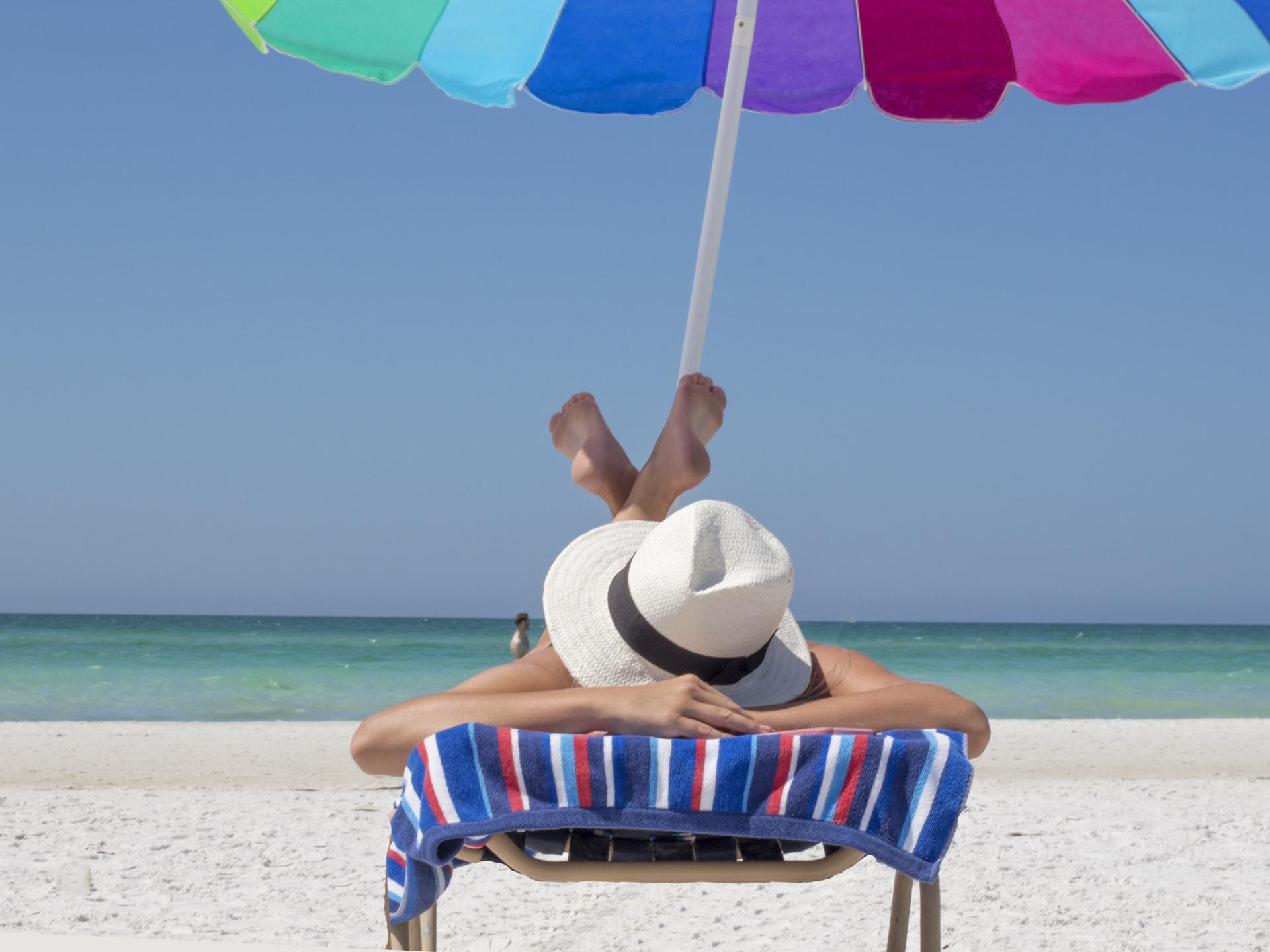 Im Idealfall können wir einen Großteil unseres VItamin D Bedarfs über Sonnenbaden abdecken. - Photocredit: pixabay.com/TerriC