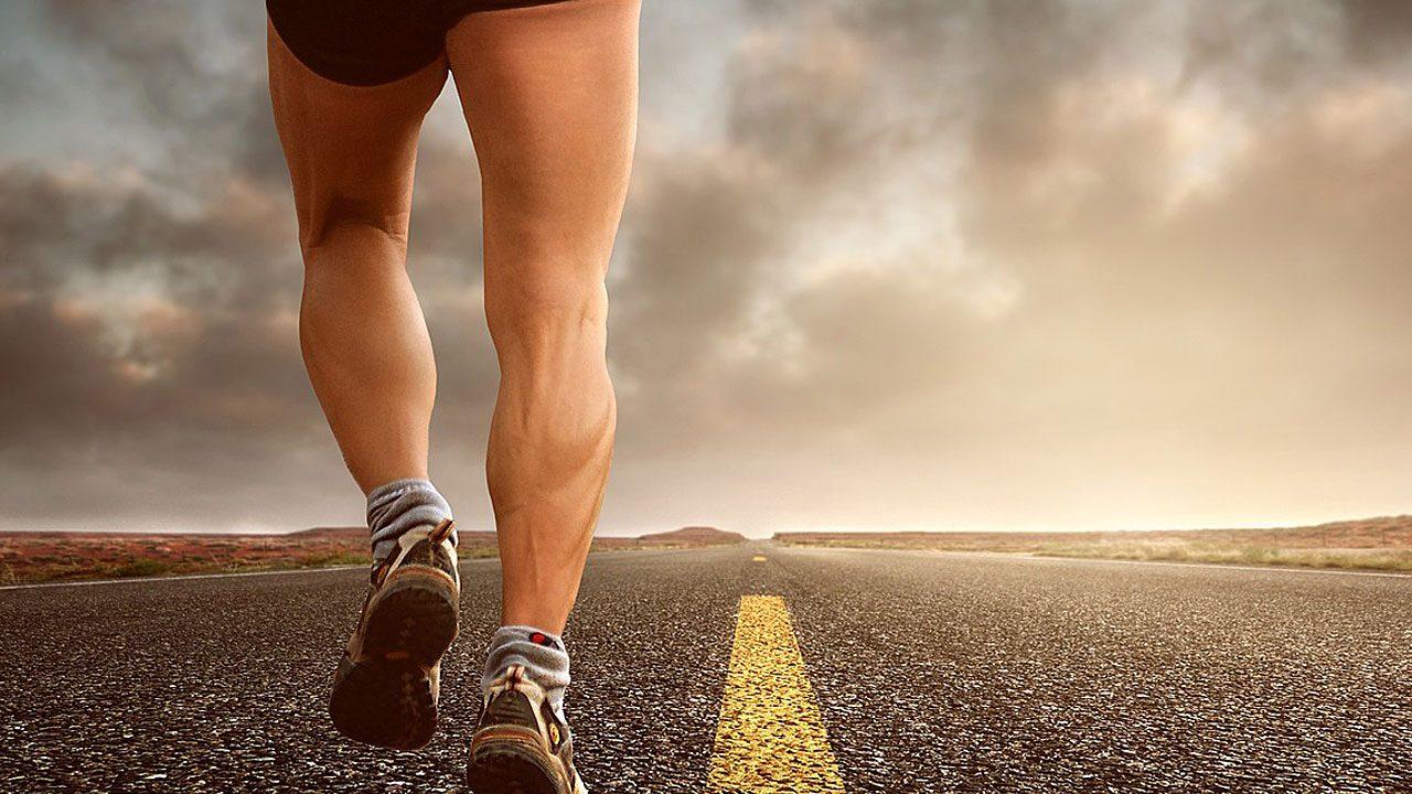 """2. """"Mir fehlt einfach die Motivation."""" Such dir Leute, mit denen du gemeinsam Sport betreiben kannst. - Fotocredit: Pixabay/composita"""