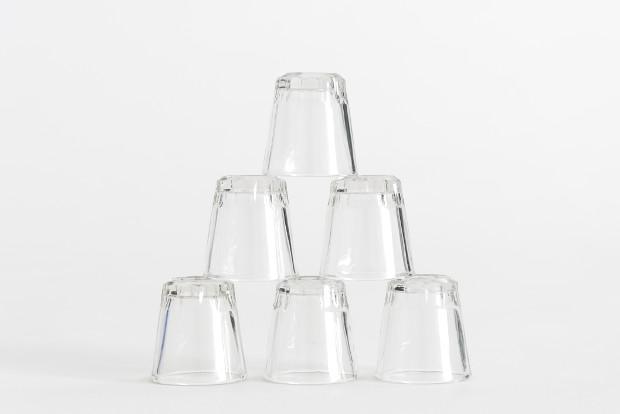 Trinkgläser gehören nicht in den Altglas Container sondern zum Restmüll.