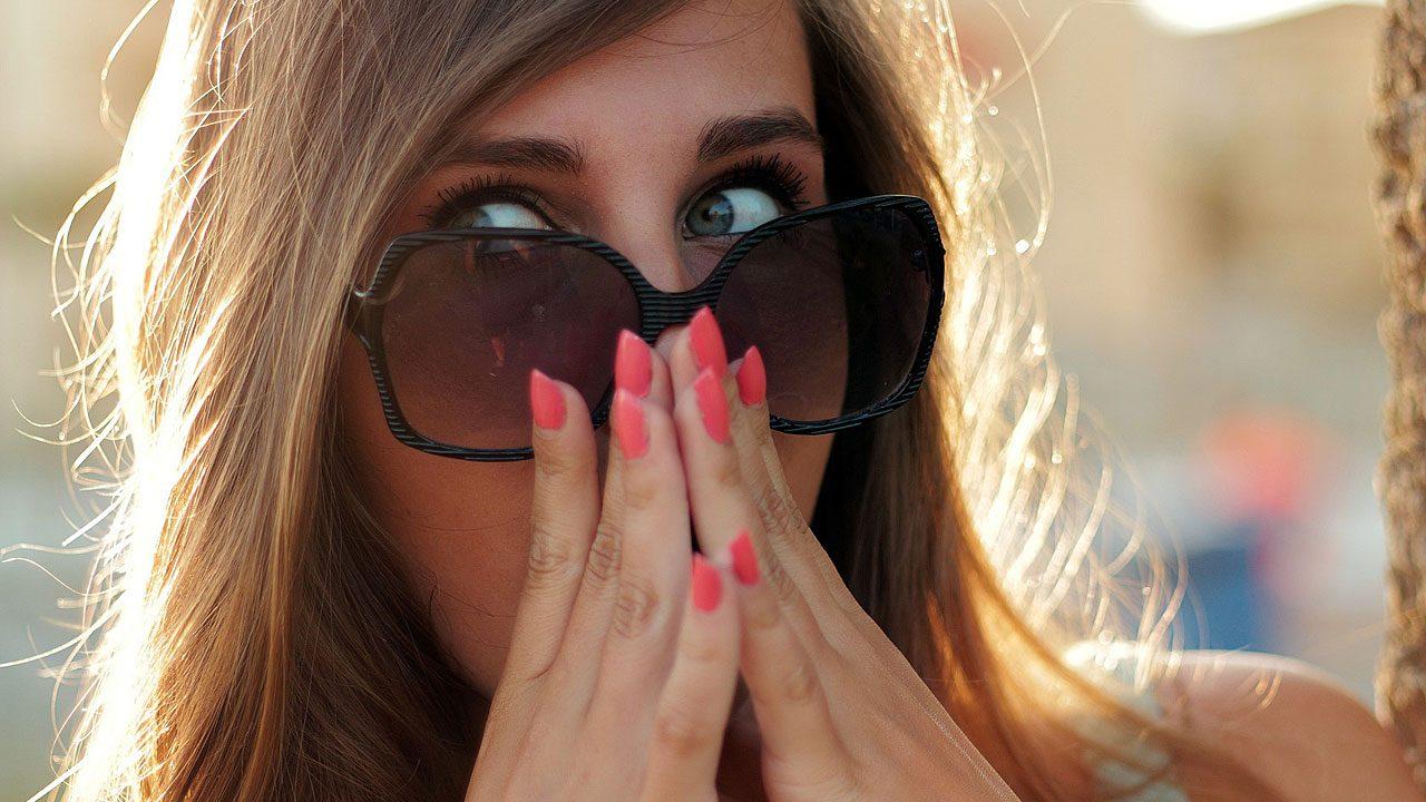 3. Greif dir nicht ins Gesicht, wenn du unterwegs bist! - Fotocredit: Pixabay/JESHOOTS-com