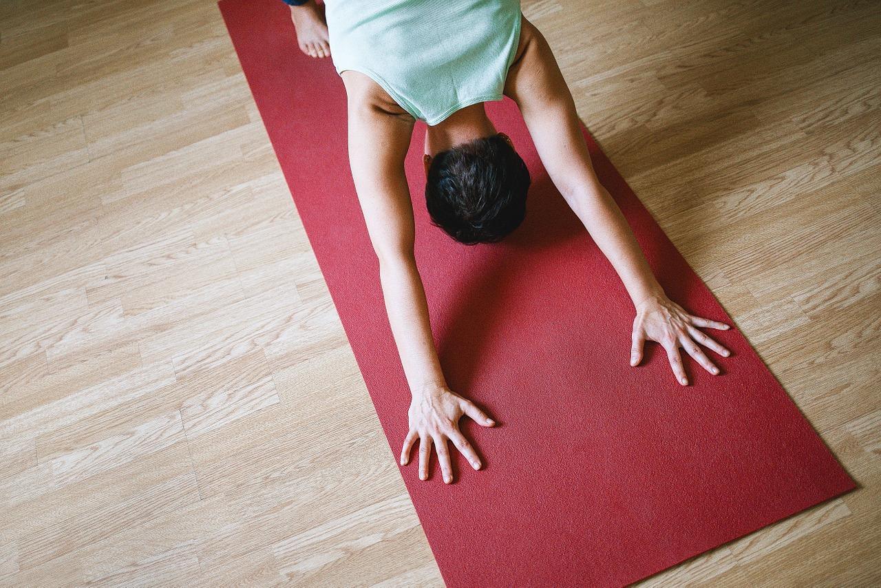 Yoga kann auch zu Hause zur perfekten Me-Time werden: Fotocredit: © Jenia Nebolsina / Pixabay