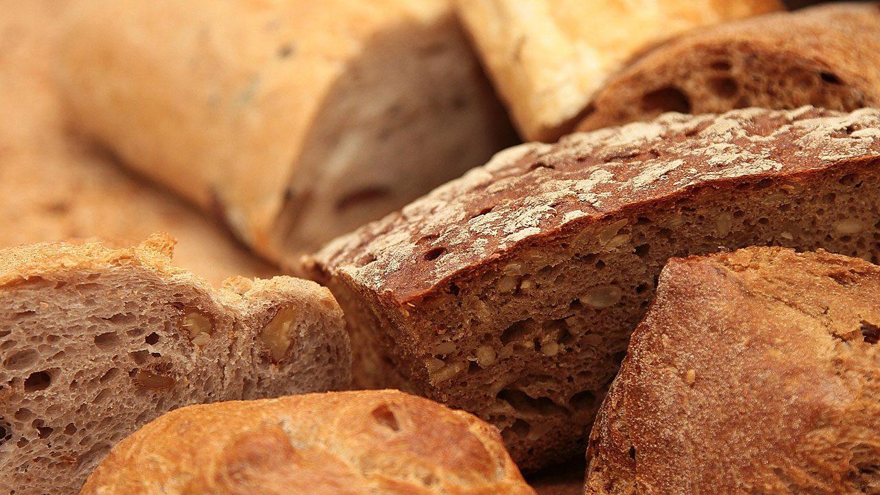 3. Brot gehört nicht in den Kühlschrank. Du kannst es aber einfrieren. - Fotocredit: Pixabay/TiBine