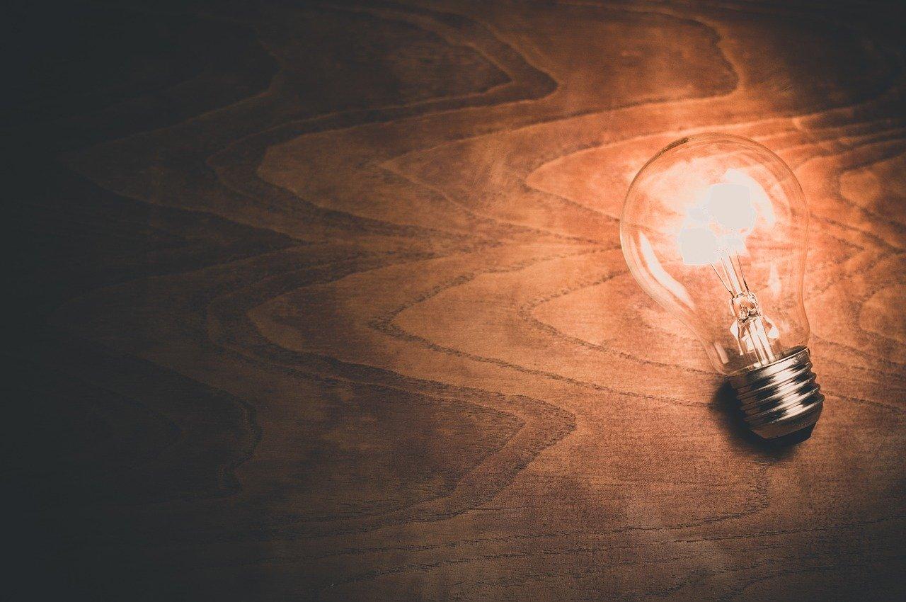 Wo gehört vielleicht eine Lampe montiert? Welche Glühbirne gehört längst getauscht: Me-Time heißt auch, endlich Zeit für lang Aufgeschobenes zu finden. Fotocredit: © Pixabay
