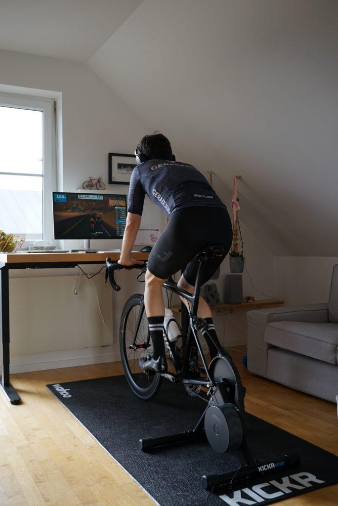 Indoor-Setup, Notenständer, Indoor-Rennrad, Ergometer, Indoortraining, Alternative