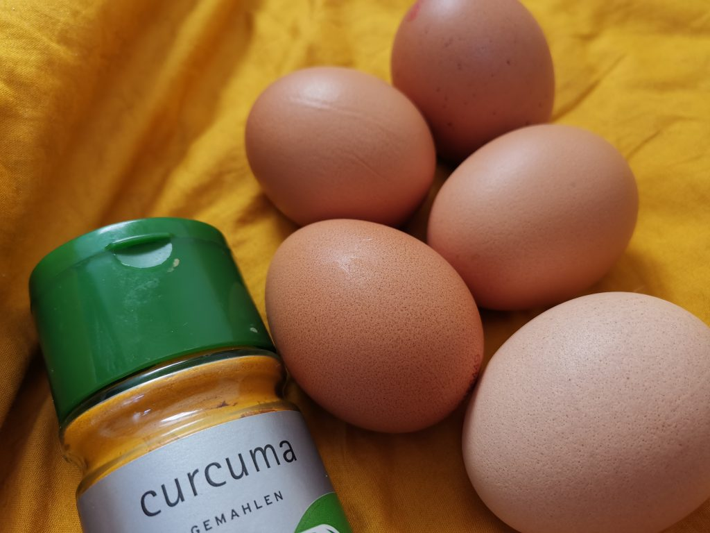 Kurkuma verleiht Eiern die Farbe der Sonne!, Fotocredit: Energieleben Redaktion