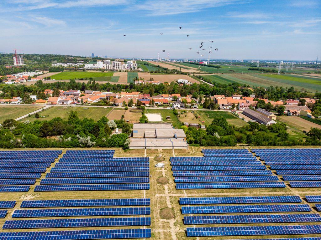 Die größte Photovoltaikanlage Wiens am Wasserbehälter Unterlaa der MA 31 ist soeben in Betrieb gegangen. Foto: © MA31/Fürthner