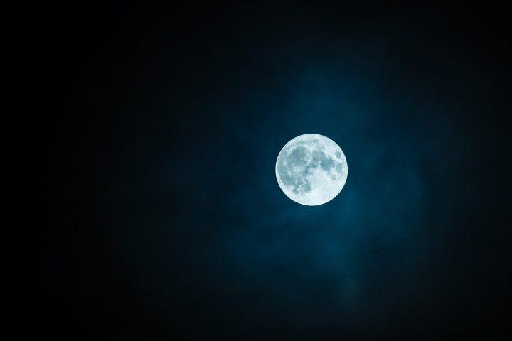 Mit spezieller Technik Nachtsolarzellen herstellen? Eventuell ist das bald nicht mehr nur reine Fiktion? Fotocredit: © Robert Karkowski from Pixabay