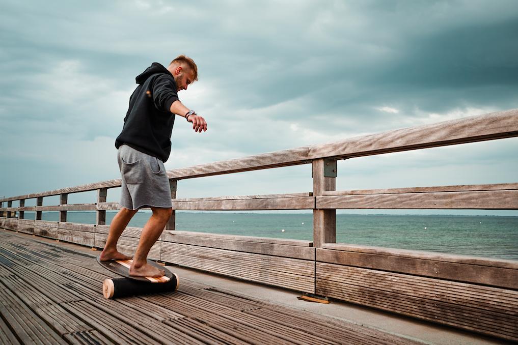 Das Bredder Balance Board kommt sogar völlig plastikfrei verpackt bei dir zu Hause an. Fotocredit: © Alexander Falk