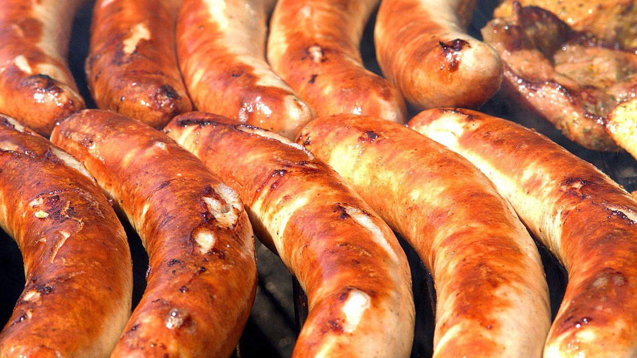 2. Kaufe Fleisch möglichst offen an der Supermarkttheke oder beim Fleischer. - Fotocredit: Pixabay/webandi