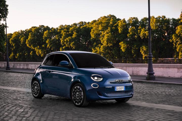 """Vernetzt, autonom, nachhaltig mit Anspruch an Design und Fahrspaß – so muss Mobilität heute: Das E-Sondermodell Fiat 500 """"la Prima."""" Foto: © Fiat"""