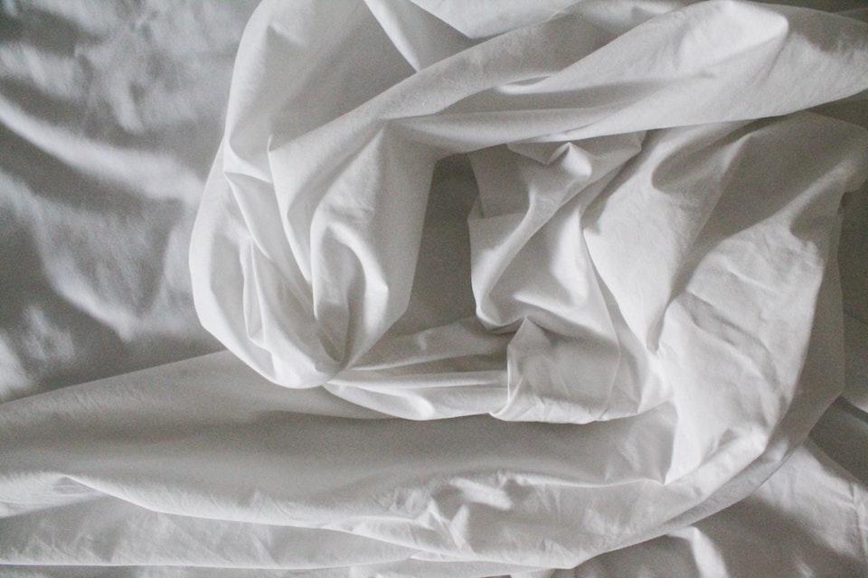 Nachhaltige Bettwäsche ist nicht nur gut für die Gesundheit, sondern auch gut zur Natur. -Fotocredits: Justine Camacho / unsplash.com
