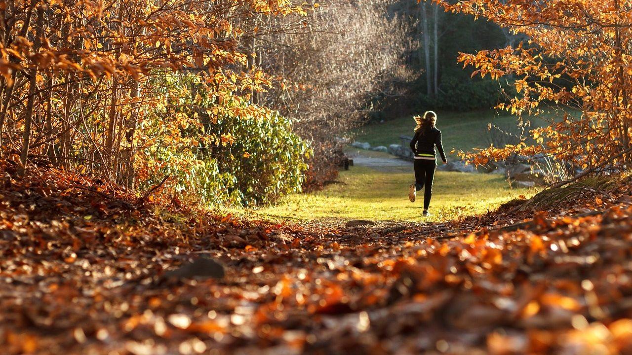 1. Mach Sport im Freien! - Fotocredit: Pixabay/andychoinski
