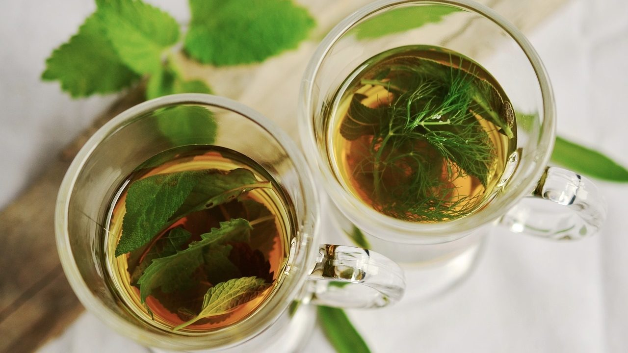 2. Iss wärmende Speisen, trink Tee! - Fotocredit: Pixabay/ congerdesign