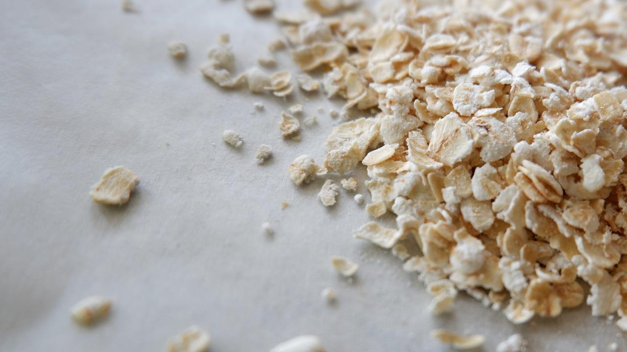 Unterschätzt: Der mineralstoffreiche Hafer erfreut sich aber z. B. in Form von Porridge wieder zunehmender Beliebtheit. Fotocredit: sue_v67 © Pixabay