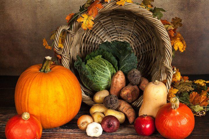 Ein voller Gemüsekorb? Diesen Anblick bieten nicht nur Sommer und Frühherbst – auch der Spätherbst hat tolles saisonales Gemüse in Angebot. Fotocredit: © Sabrina Ripke/Pixabay