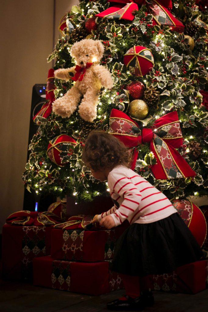 Second Hand Weihnachtsgeschenke sind nicht nur preiswert sondern auch sinnvoll. Fotocredit: Thandy Yung auf Unsplash.com
