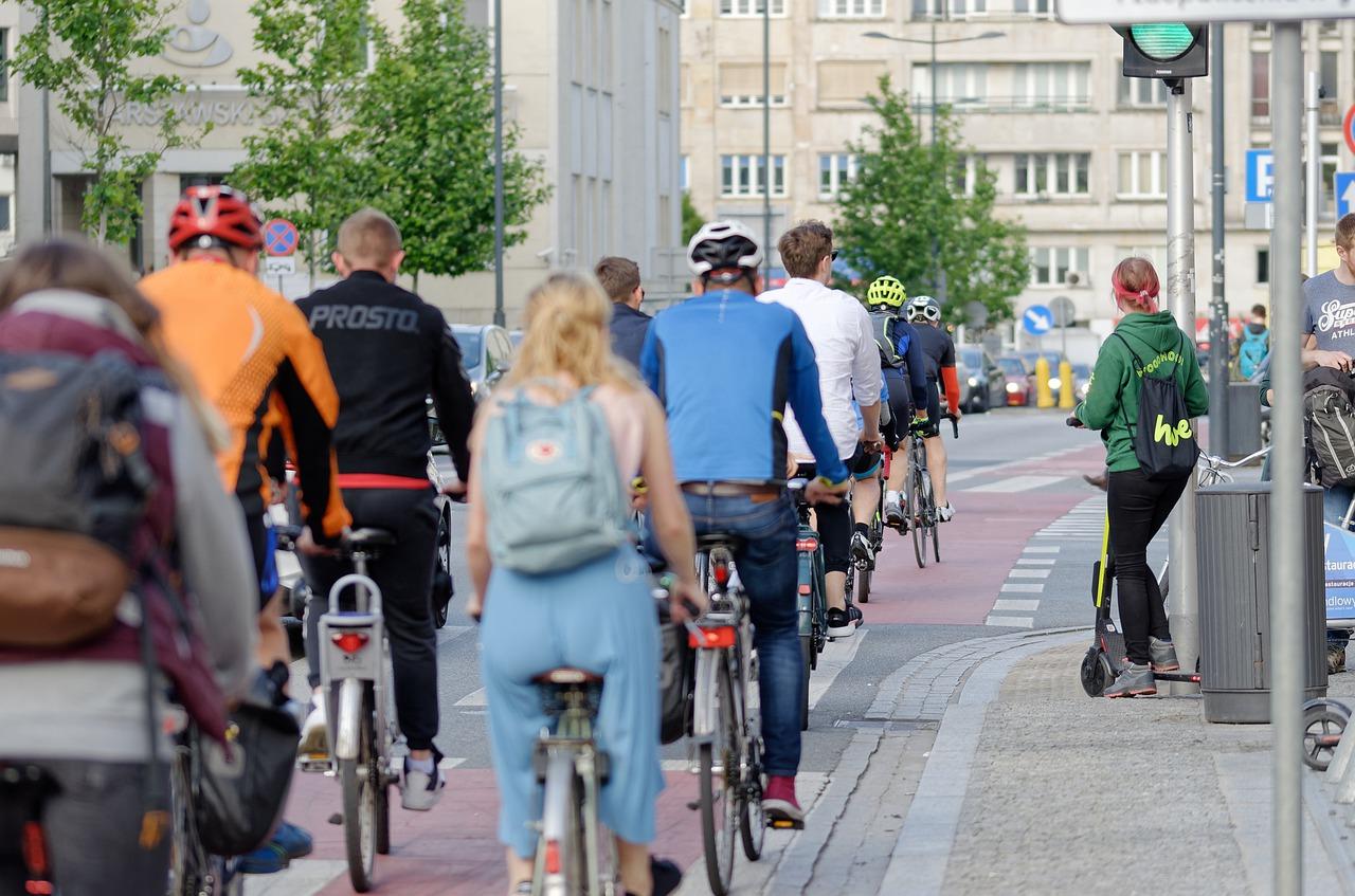 Radfahren in den Städten: Wer weiß was Corona für das Vorantreiben einer nachhaltigen Mobilitätslösung in der Städten beigetragen haben könnte? Fotocredit: © Candid_Shots/Pixabay