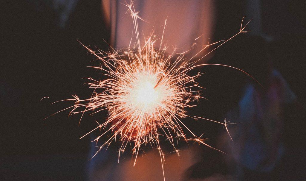 """""""Hast du schon Pläne für Silvester?"""" – Diese Frage stresst wohl dieses Jahr weit weniger Menschen als sonst. Unsere Pläne für den Jahreswechsel sind jedenfalls umweltbewusst. Fotocredit: © Pexels/Pixabay"""