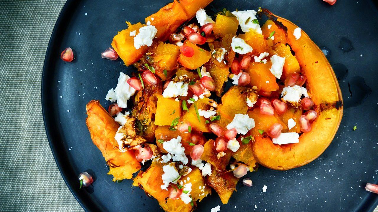 Zwei Wärmeexperten vereint: Die Süßkartoffel schmeckt auch köstlich in Gerichten mit Kürbis. Fotocredit: © DanaTentis/Pixabay