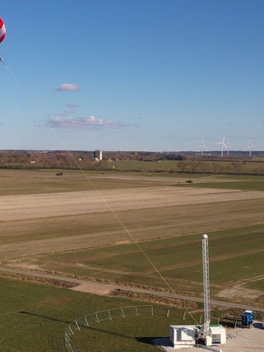 Die Technologie von SkySails ermöglicht, mittels Drachen die Windkraft in großen Höhen für die nachhaltige Energiegewinnung zu nutzen. Foto: © SkySails Group