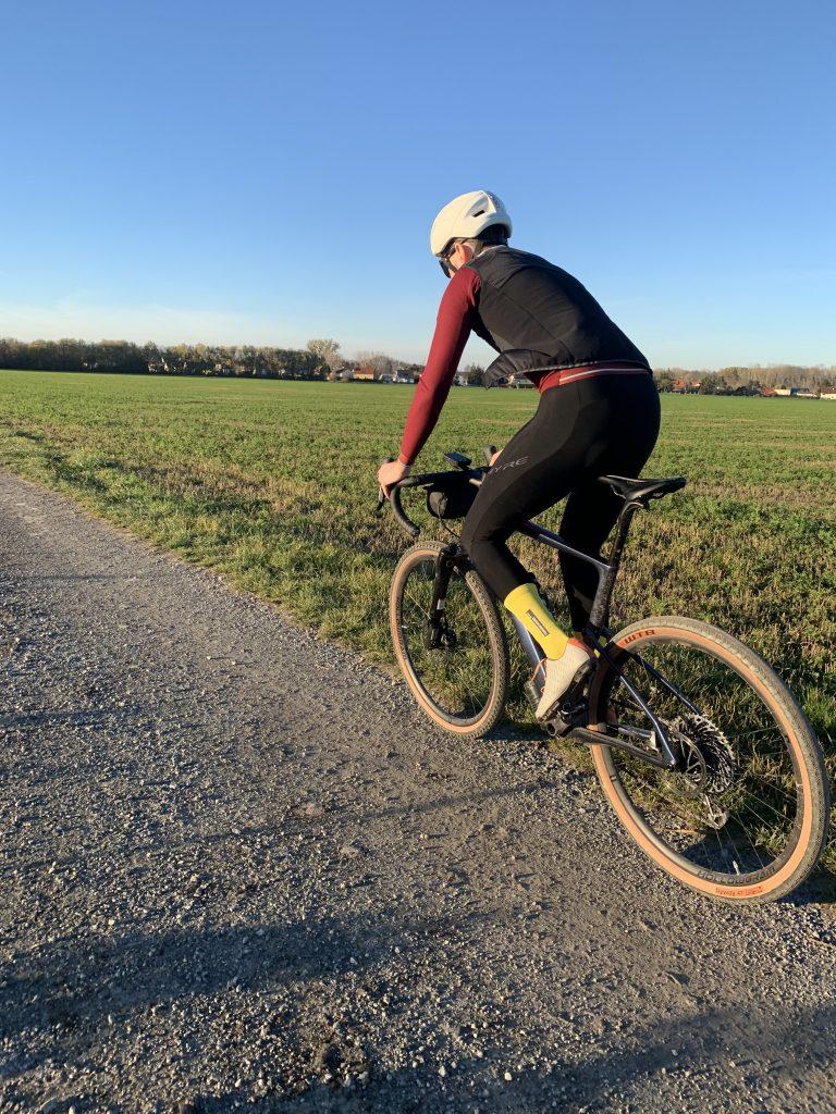 Gravel, Mountainbike, Sonnenuntergang