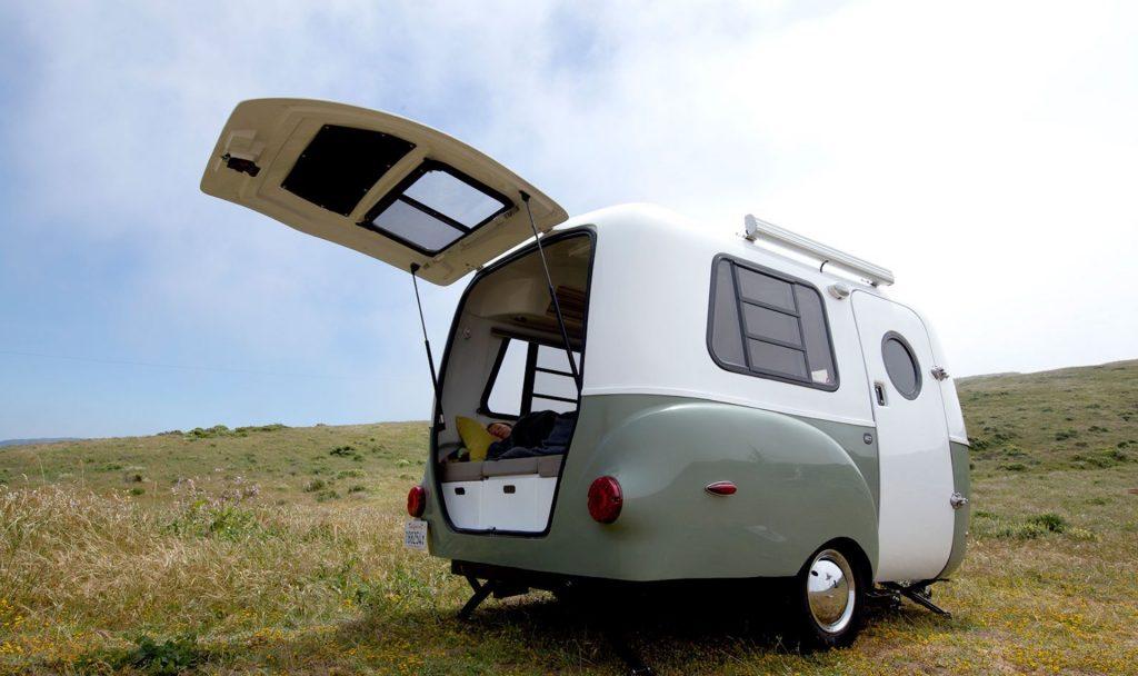 Mit diesem Mini-Wohnwagen einfach mal wegfahren? Das wär's jetzt! Fotocredit: © Happier Camper – https://happiercamper.com