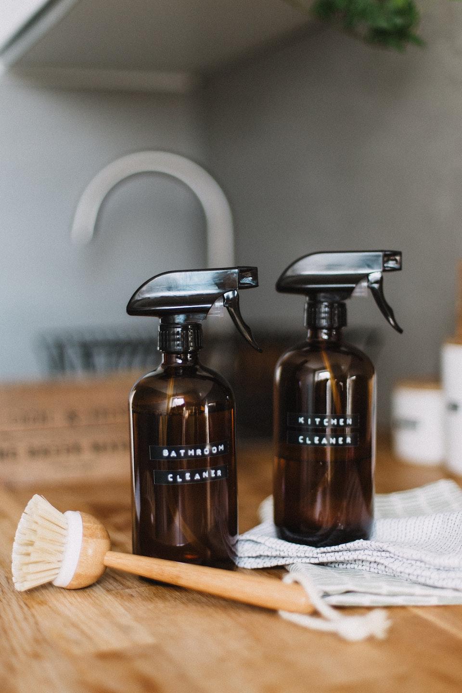 Ihr könnt Reinigungsprodukte ganz einfach zu Hause herstellen. -Fotocredits: Daiga Ellaby/unsplash.com