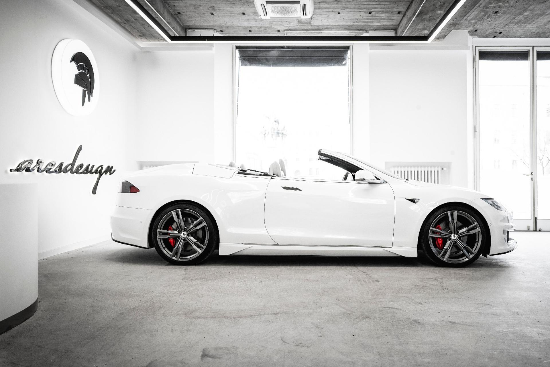 Wer das nötige Kleingeld hat, der kann aus seinem Tesla sein individuelle gestaltetes Fahrzeug kreieren lassen. Foto: ARES DESIGN – © www.aresdesign.com