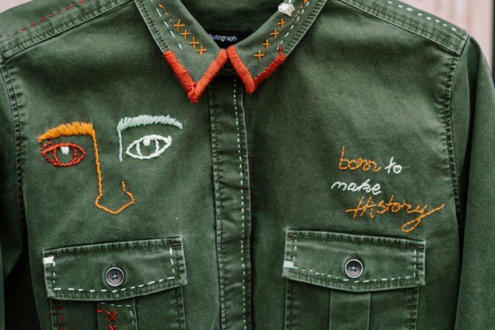 Visible Mending ist die moderne Art, um Löcher zu stopfen. -Fotocredits: Toa Heftiba/unsplash.com