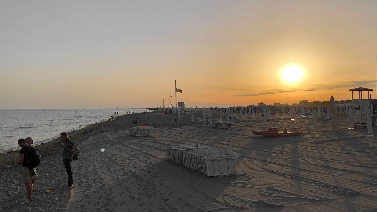 1. Benutze nur noch umweltfreundliche Sonnencremes. Das schont die Meere. - Foto: Energieleben Redaktion