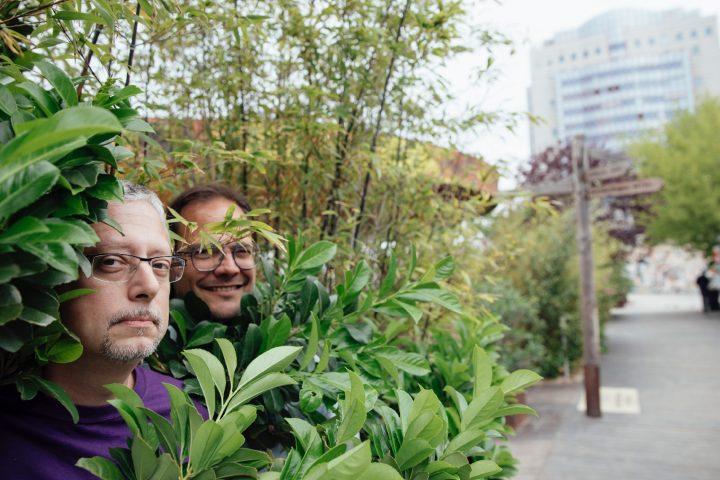 Rudi Konar (links) gemeinsam mit Alexander Kaiser, mit dem er die Herrmann Strandbar in Wien betreibt. Fotocredit: © Marlene Fröhlich