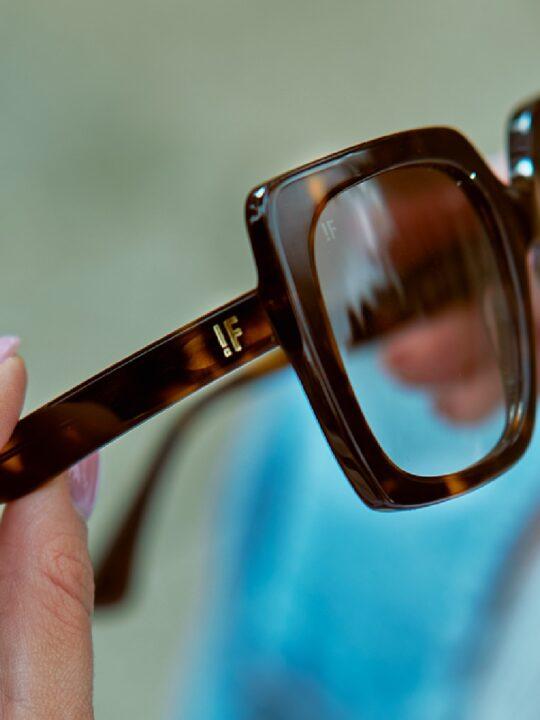 FR!TZ 1966 ist ein österreichisches Brillenlabel, das auf ressourcenschonende Handfertigung Wert legt. Fotocredit: © FR!TZ 1966
