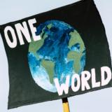 Wir haben nur einen Planeten. Die Klimakrise schreitet voran und wir müssen dringend global handeln. Fotocredit: © Markus Spiske/Unsplash